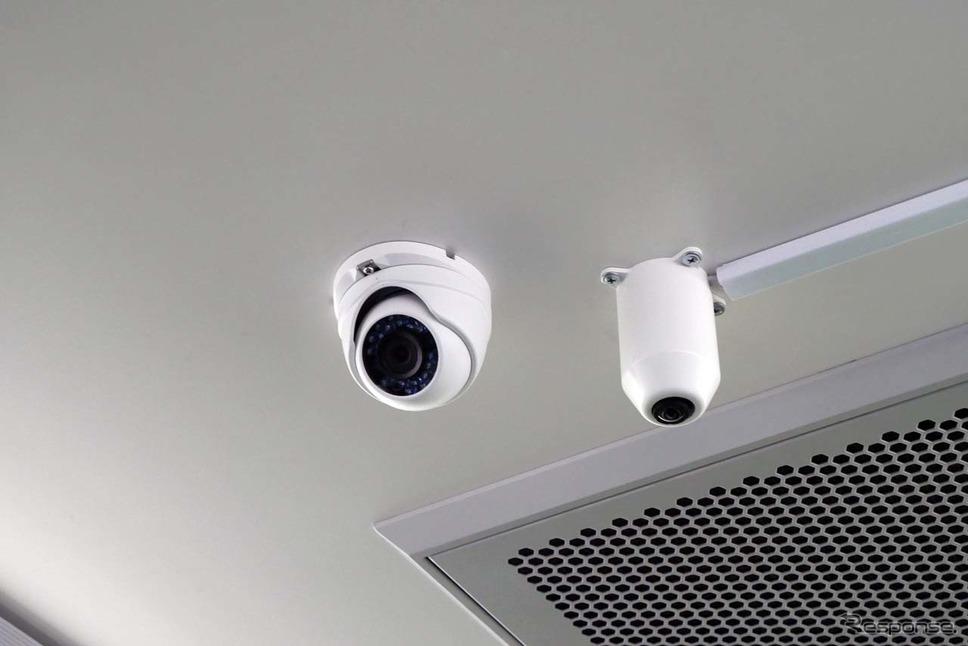 車内には乗客の様子や運転状況を監視できるカメラが7台搭載されていた