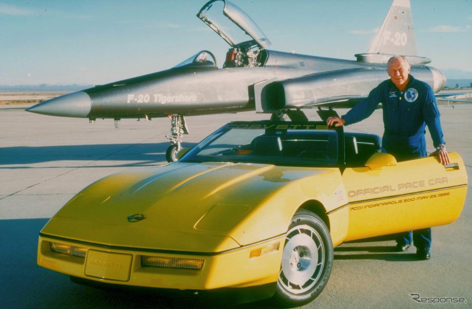 1986年、チャック・イェーガーと