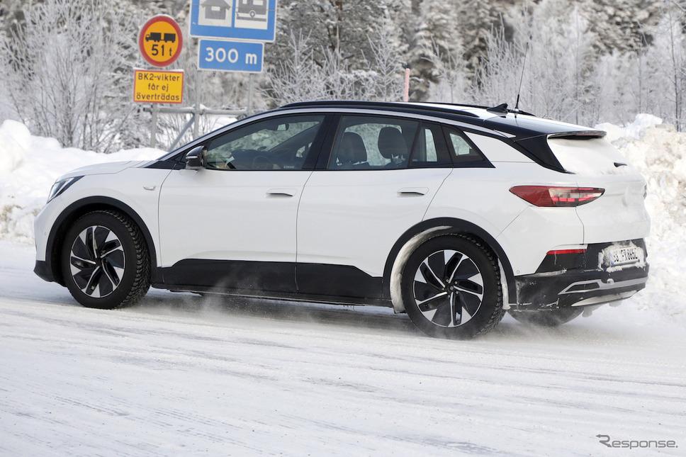 VW ID.4 プロトタイプ スクープ写真《APOLLO NEWS SERVICE》