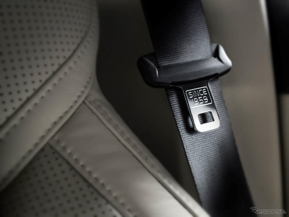 ボルボ XC90の3点式シートベルト。「1959年から」の文字が見える《photo by Volvo Cars》