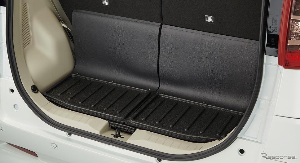 日産ルークス 送迎タイプ ラゲッジトレイ《画像:日産自動車》