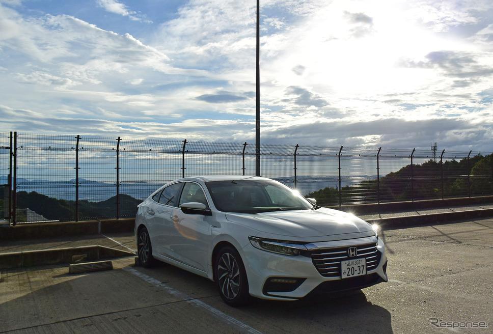 名阪国道を奈良・天理に向けて下る途中で記念撮影。《撮影 井元康一郎》