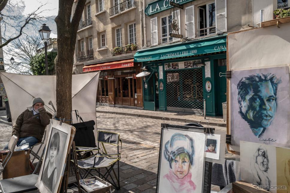 飲食店が休業したパリ、モンマルトル(3月15日)《photo (c) Getty Images》