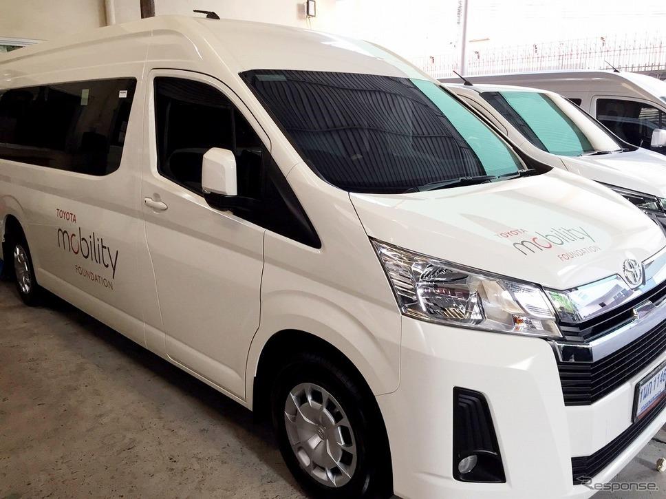 トヨタはタイでシャトルバスを10台用意。《画像 トヨタ自動車》