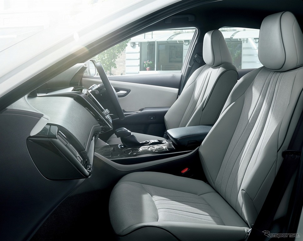 トヨタ クラウン 特別仕様車 SエレガンススタイルII(2.5Lハイブリッド車)《画像:トヨタ自動車》