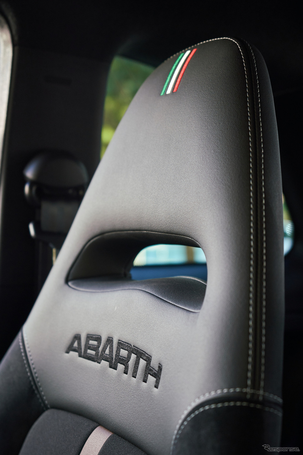 アバルト695セッタンタ・アニヴェルサーリオ《photo by Abarth》