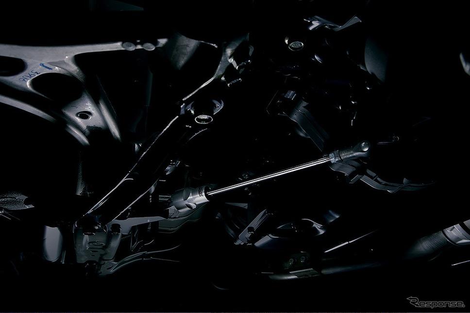 STI製フレキシブルドロースティフナー フロント《画像:SUBARU》