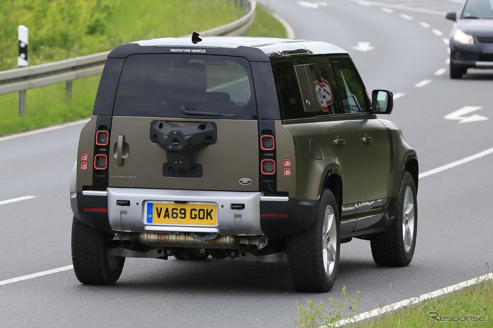 ランドローバー ディフェンダー V8モデル開発車両(スクープ写真)《APOLLO NEWS SERVICE》