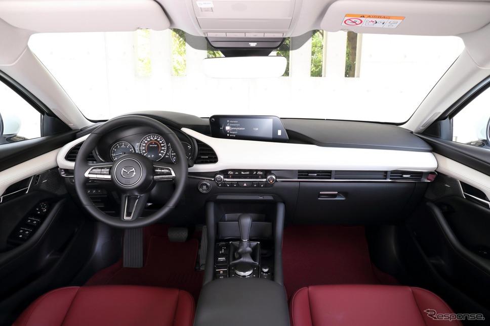 マツダ3セダン 100周年特別記念車《写真提供 マツダ》