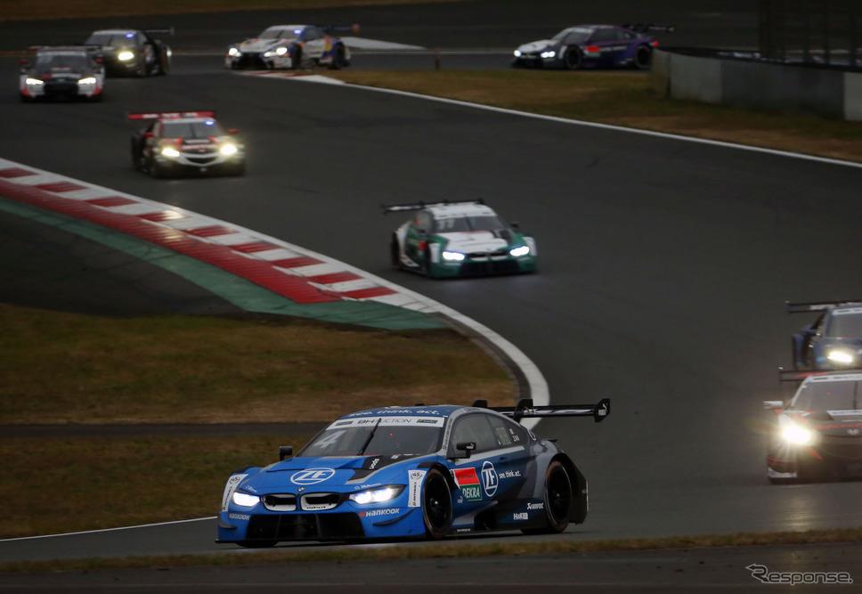 写真先頭の#4 BMWがザナルディのドライブするマシン(昨年11月に富士スピードウェイで開催された「SUPER GT×DTM特別交流戦」)。《写真提供 BMW》