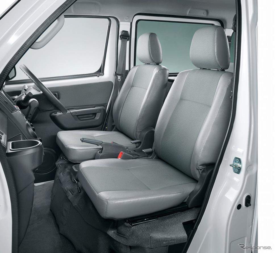 トヨタ・タウンエース・バンGL 4WD、フロントシート《写真提供 トヨタ自動車》