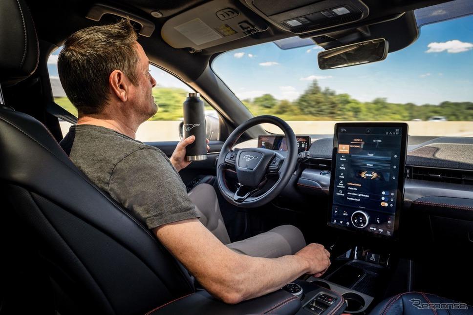 フォード・マスタング・マッハEの高速道路をハンズフリーで部分自動運転できる「アクティブ・ドライブ・アシスト」《photo by Ford Motor》