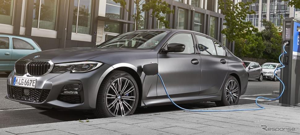 BMW 3シリーズ・セダン 新型のPHV《photo by BMW》