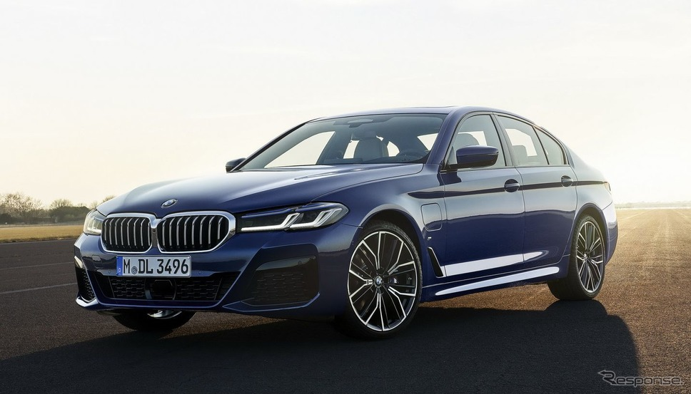 BMW 5シリーズ・セダン 改良新型のPHV《photo by BMW》