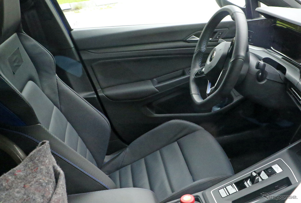 VW ゴルフR 新型プロトタイプ(スクープ写真)《APOLLO NEWS SERVICE》