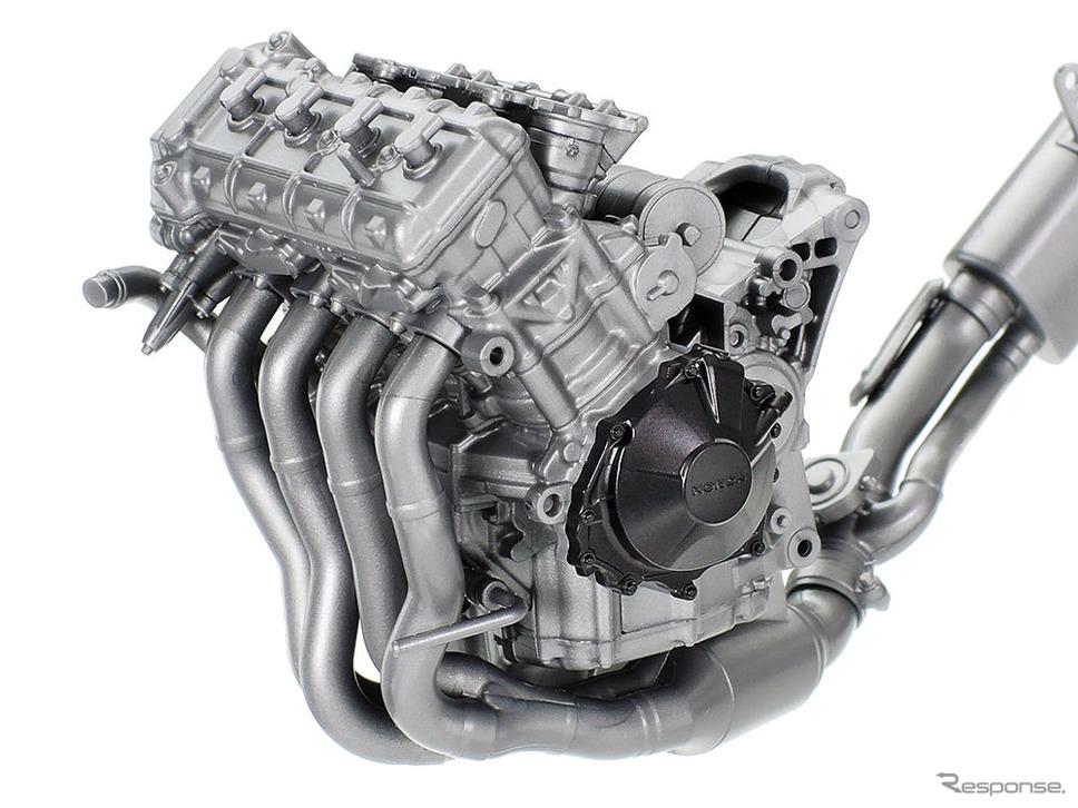 高性能な水冷4気筒エンジンを精密にモデル化《写真提供 タミヤ》