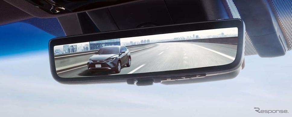 新型ハリアーに搭載された「デジタルインナーミラー(前後方録画機能付」。液晶表示の状態では積載の影響受けない。写真提供:トヨタ自動車