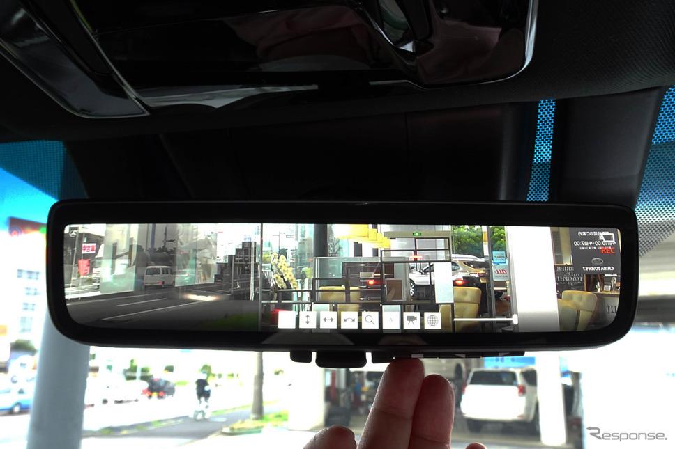 新型ハリアーに搭載された「デジタルインナーミラー(前後方録画機能付)」。動作中は「REC」や「メニュー」が表示できる