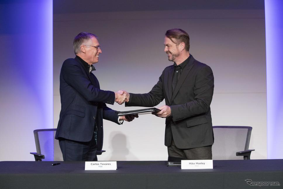合併に合意する両社首脳(2019年12月)《photo by FCA》