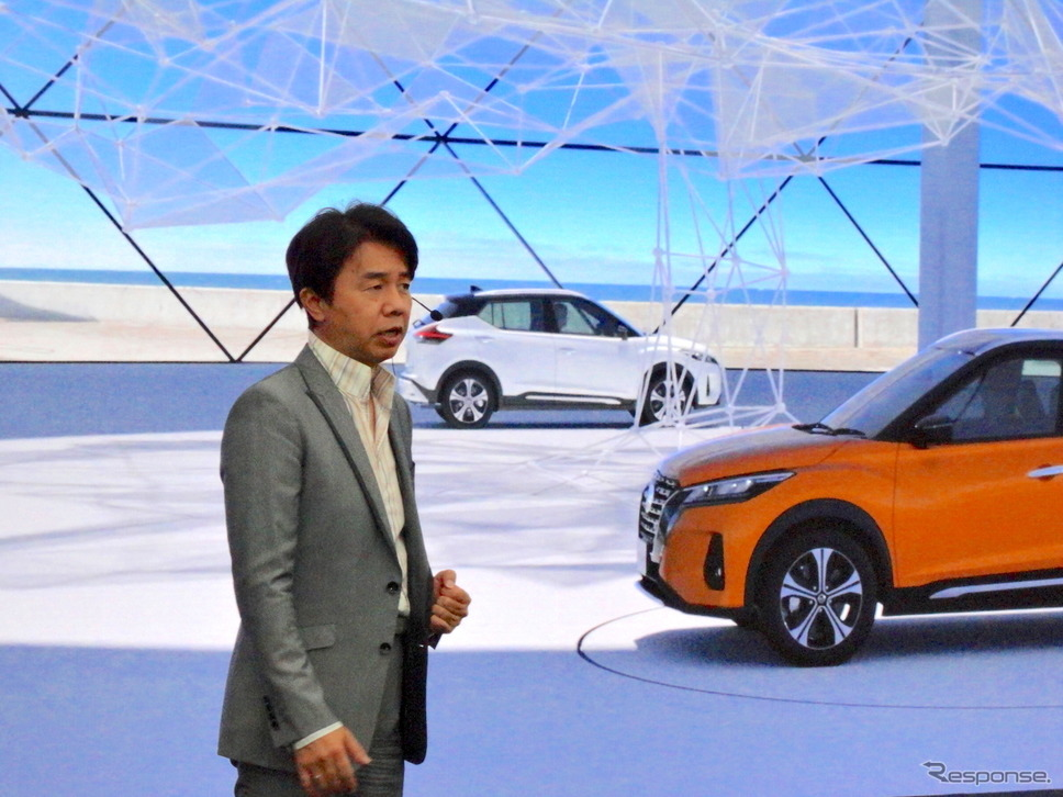 日産キックス新型のオンライン・プレゼンテーション、プログラムデザインディレクター入江慎一郎氏《写真提供 日産自動車》