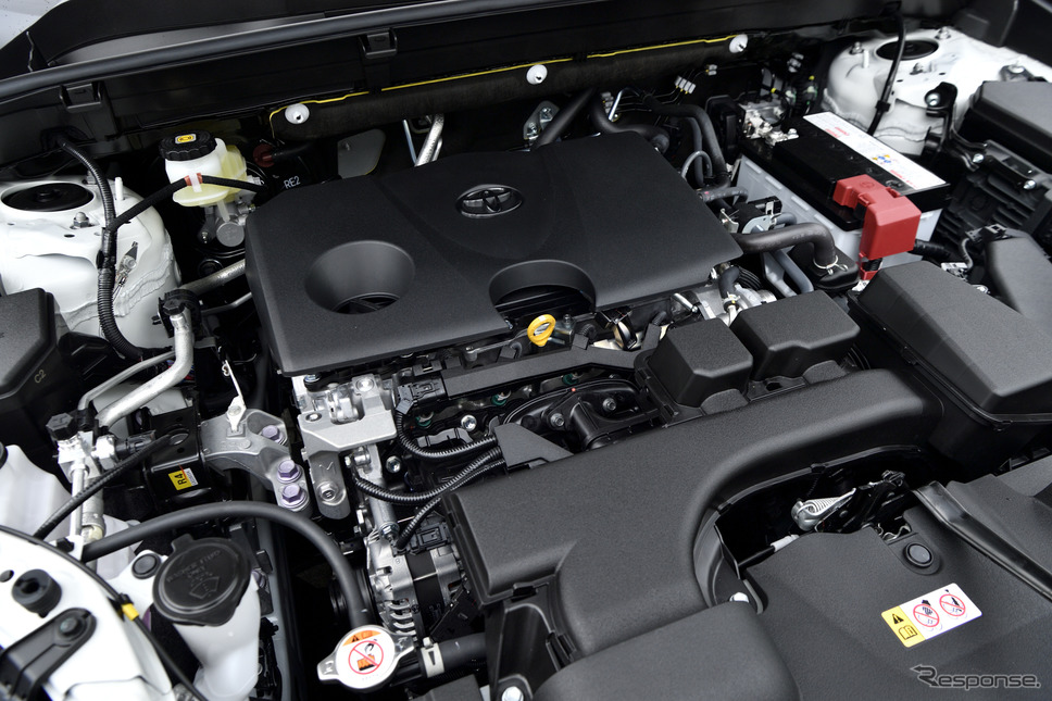 トヨタ ハリアー の2リットルガソリンエンジン《写真撮影 雪岡直樹》