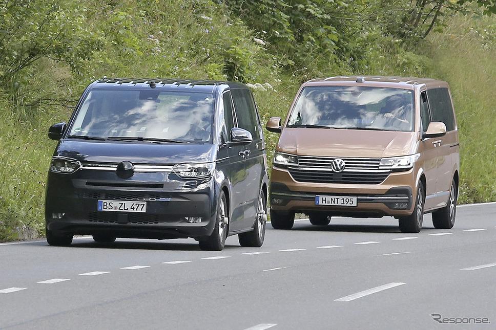 VW T7 市販型プロトタイプ(左)と現行モデルのT6(右)を捉えたスクープ写真《APOLLO NEWS SERVICE》