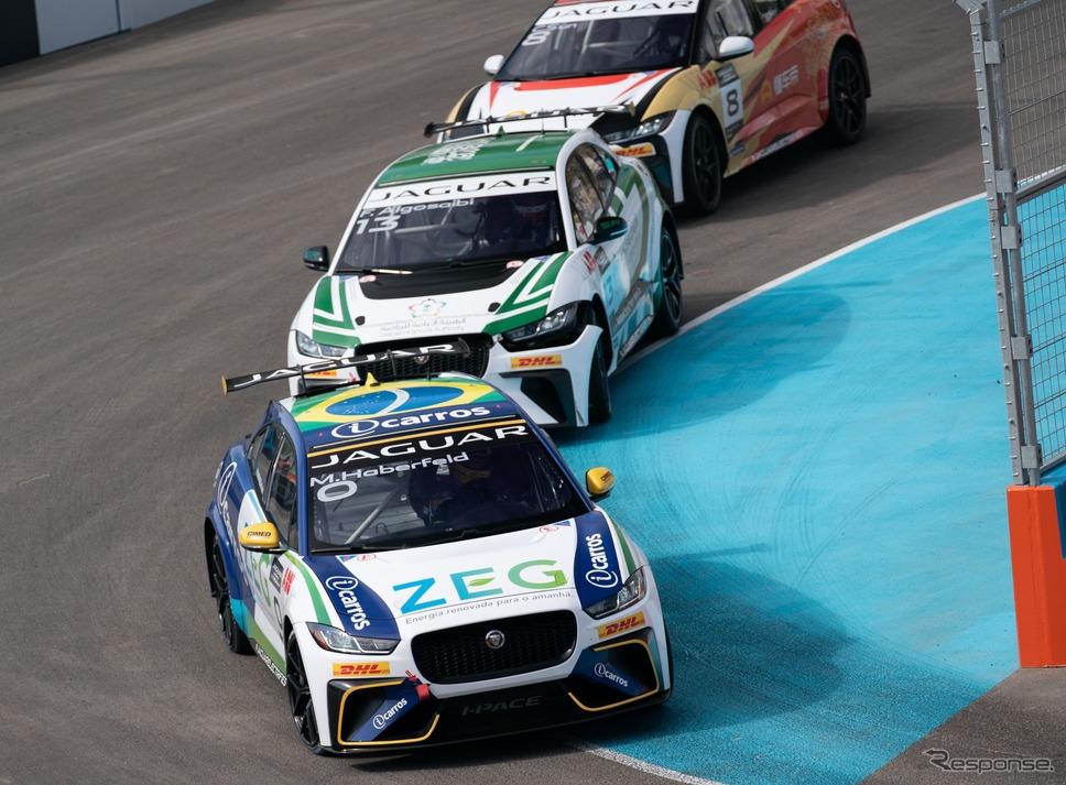 ジャガー I-PACE eトロフィー《photo by Jaguar Cars》