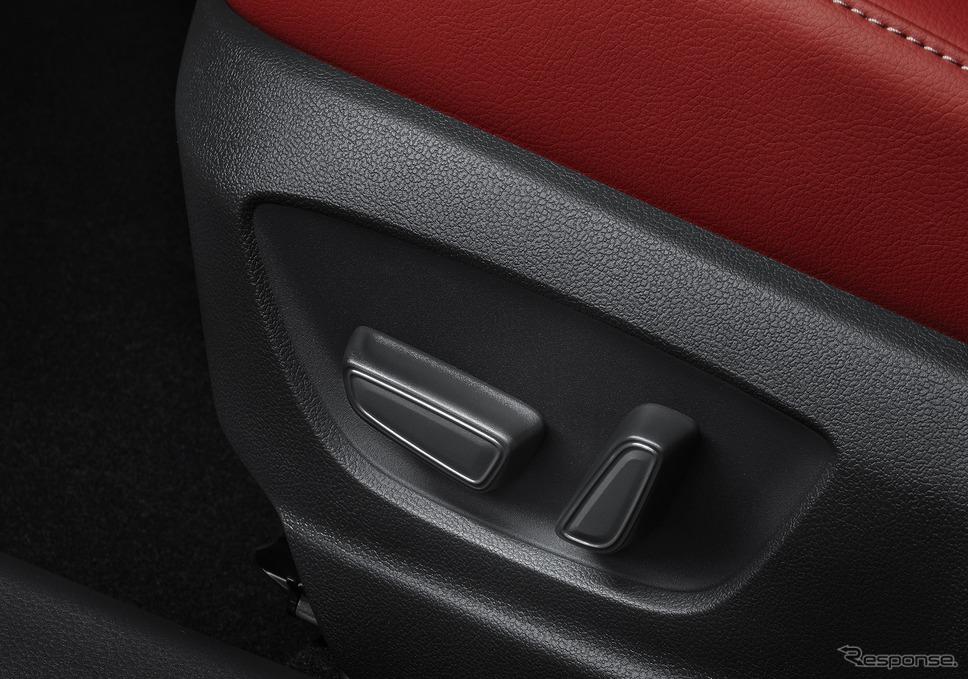 助手席4ウェイパワーシート(前後スライド+リクライニング)《写真提供 トヨタ自動車》