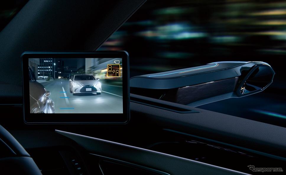 デジタルアウターミラーディスプレイ(夜間時)《写真提供 トヨタ自動車》