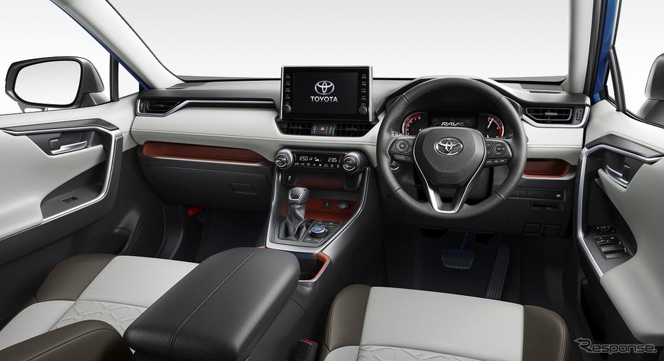 トヨタ RAV4 アドベンチャー(内装色:オーキッドブラウン)《写真提供 トヨタ自動車》