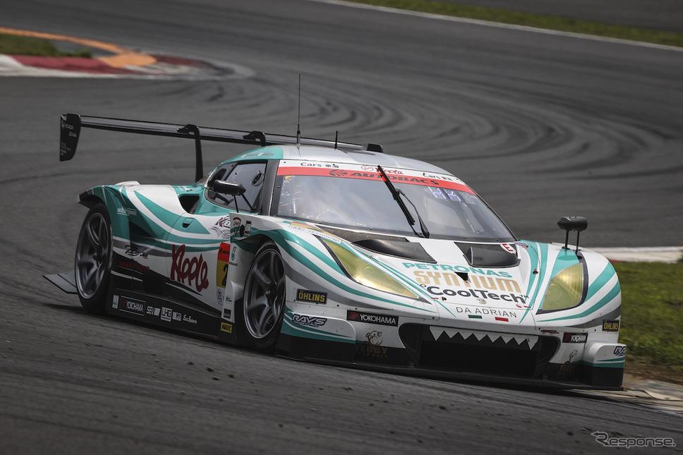 GT300予選3位の#2 シンティアム・アップル・ロータス《写真撮影 益田和久》