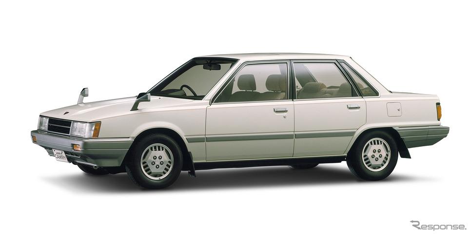 2代目(実質初代)トヨタ・カムリ(1982年)《写真提供 トヨタ自動車》