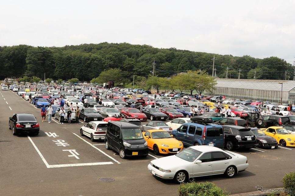 とにかくありとあらゆる車が集合《写真撮影 内田俊一》