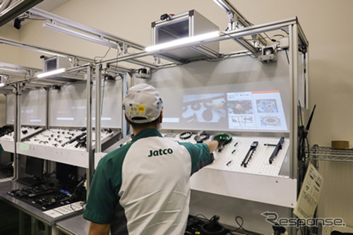 プロジェクションアッセンブリーシステム運用現場《画像提供 沖電気工業》