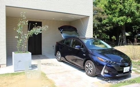 電動車から住宅に給電する「クルマ de 給電」のイメージ《写真提供 トヨタホーム》