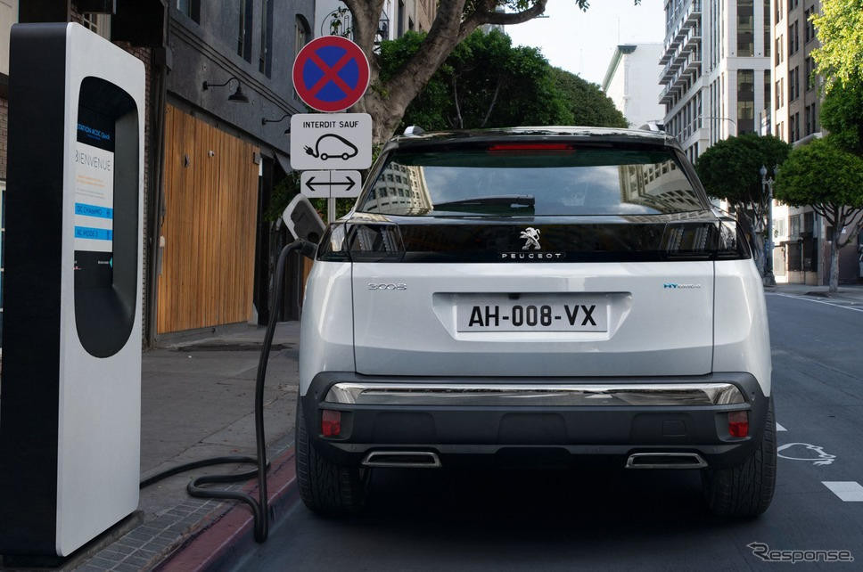 プジョー 3008 ハイブリッド 改良新型《photo by Peugeot》