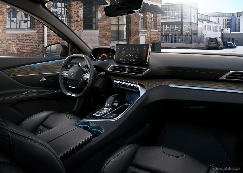 プジョー 5008 改良新型《photo by Peugeot》