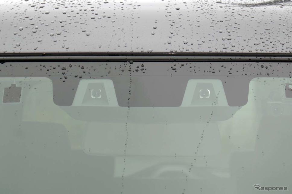 新型ハスラーのADAS機能を司るコンパクトなステレオカメラ《写真撮影 会田肇》
