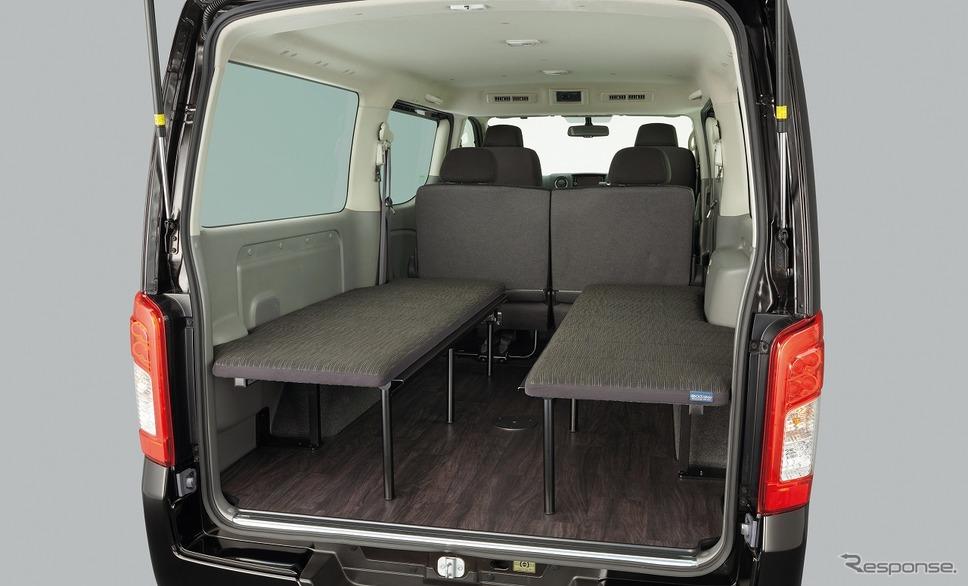日産 NV350キャラバン「マルチベッド」※プレミアムGX アーバンクロムをベースにした特別架装車《写真提供 日産自動車》
