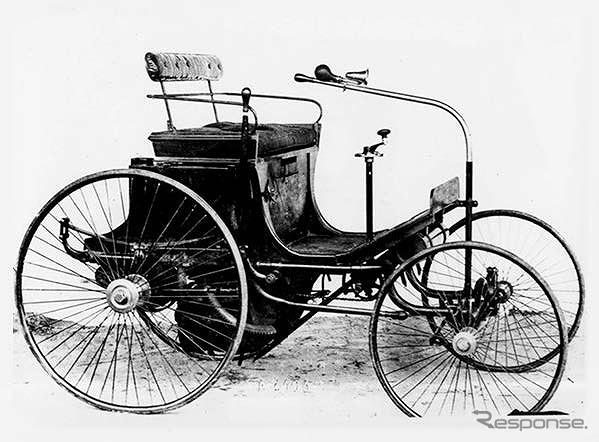 1890年、ダイムラー製ガソリンエンジンを搭載した四輪自動車「Type 2」《写真提供 aidea》