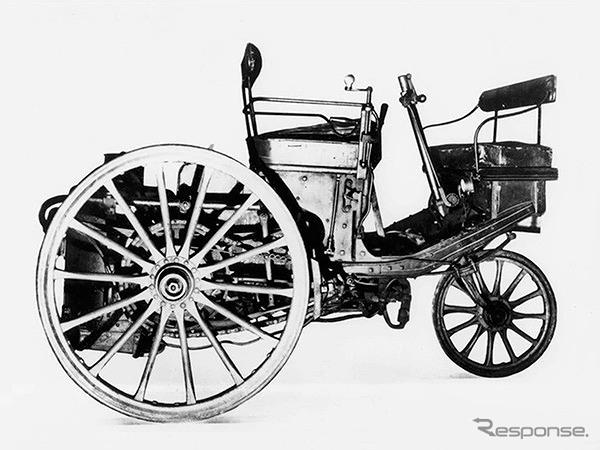 1889年、パリ万国博覧会で、「プジョー」の名を冠した最初の自動車を披露《写真提供 aidea》