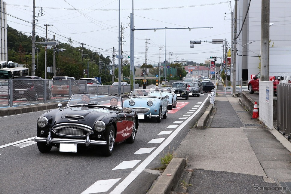 公道パレードの様子《写真提供 トヨタ博物館》