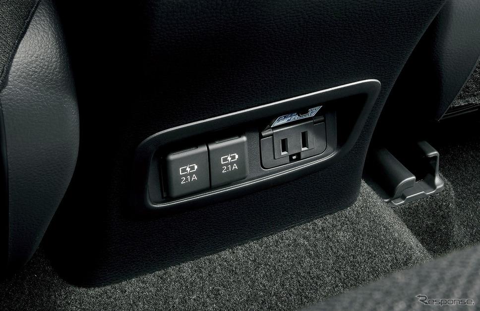 アクセサリーコンセント(AC100V・1500W/コンセント2個/非常時給電システム付)《写真提供 トヨタ自動車》