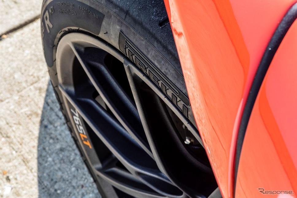 ピレリ「P Zero Trofeo R」とマクラーレン 765LT《photo by McLaren Automotive》