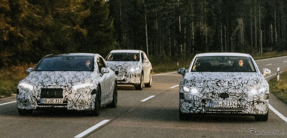 メルセデスベンツの新型EV 3車種のプロトタイプ(左からEQS、EQE SUV、EQE)《photo by Mercedes-Benz》