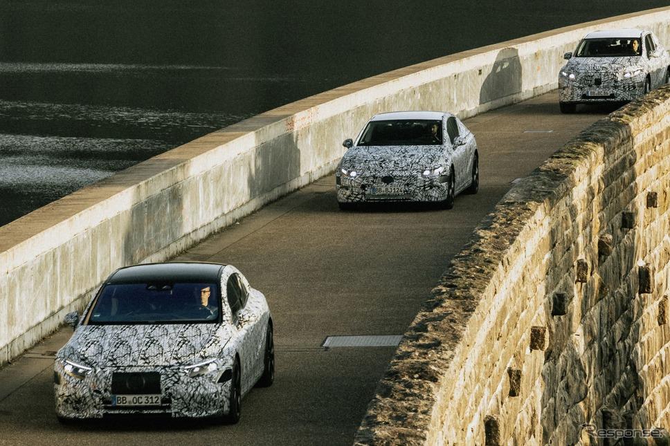 メルセデスベンツの新型EV 3車種のプロトタイプ(左からEQS、EQE、EQE SUV)《photo by Mercedes-Benz》