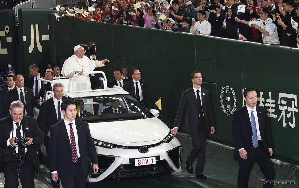 ローマ教皇来日(2019年11月25日、東京ドーム)《Photo by Jun Sato/WireImage/ゲッティイメージズ》