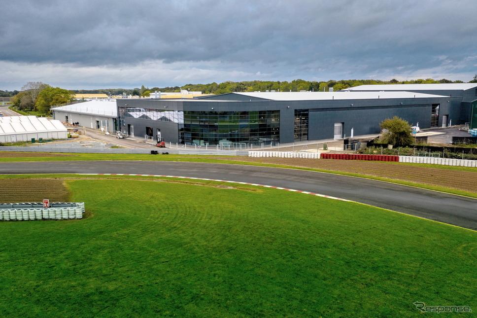 改修されたロータスカーズの英国ヘセル工場《photo by Lotus Cars》