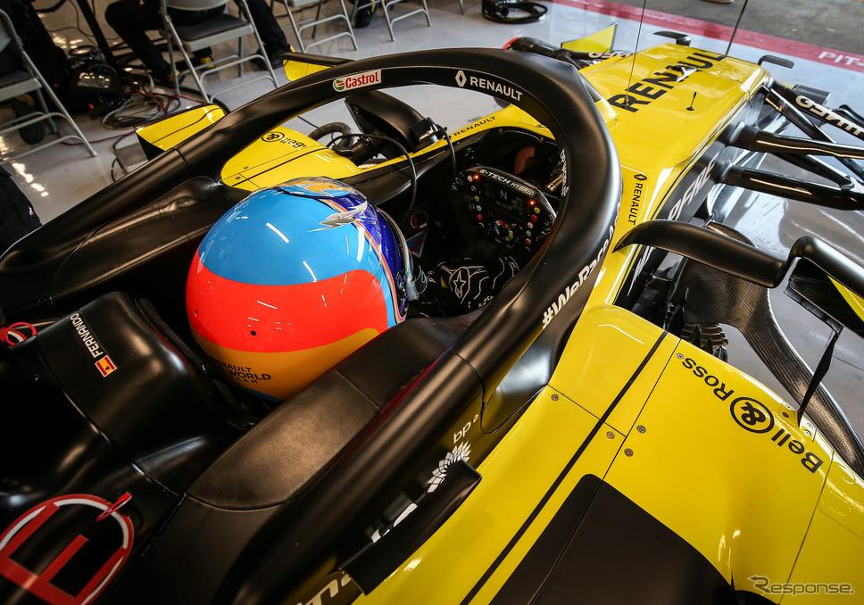 #14 フェルナンド・アロンソがルノーの今季型F1マシンで走行。《写真提供 Renault》