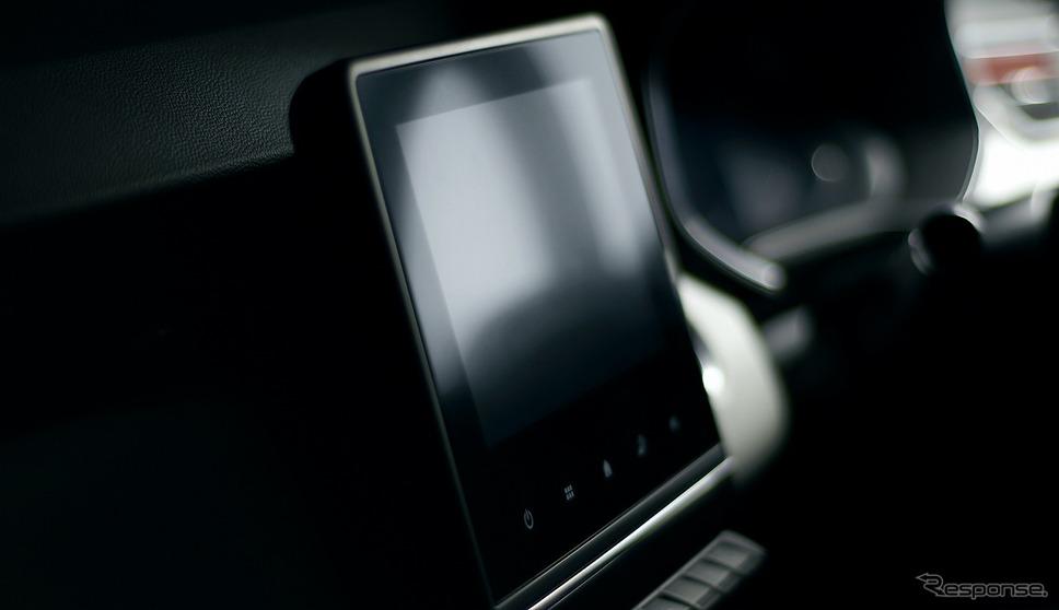 ルノー・ルーテシア新型、7インチマルチメディア EASY LINK(スマートフォン用ミラーリング機能)《写真提供 ルノー・ジャポン》